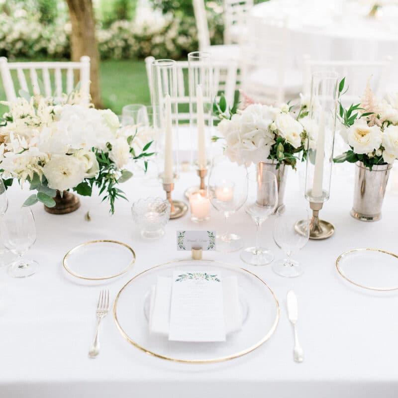 Elegant table setting for a wedding in Ravello