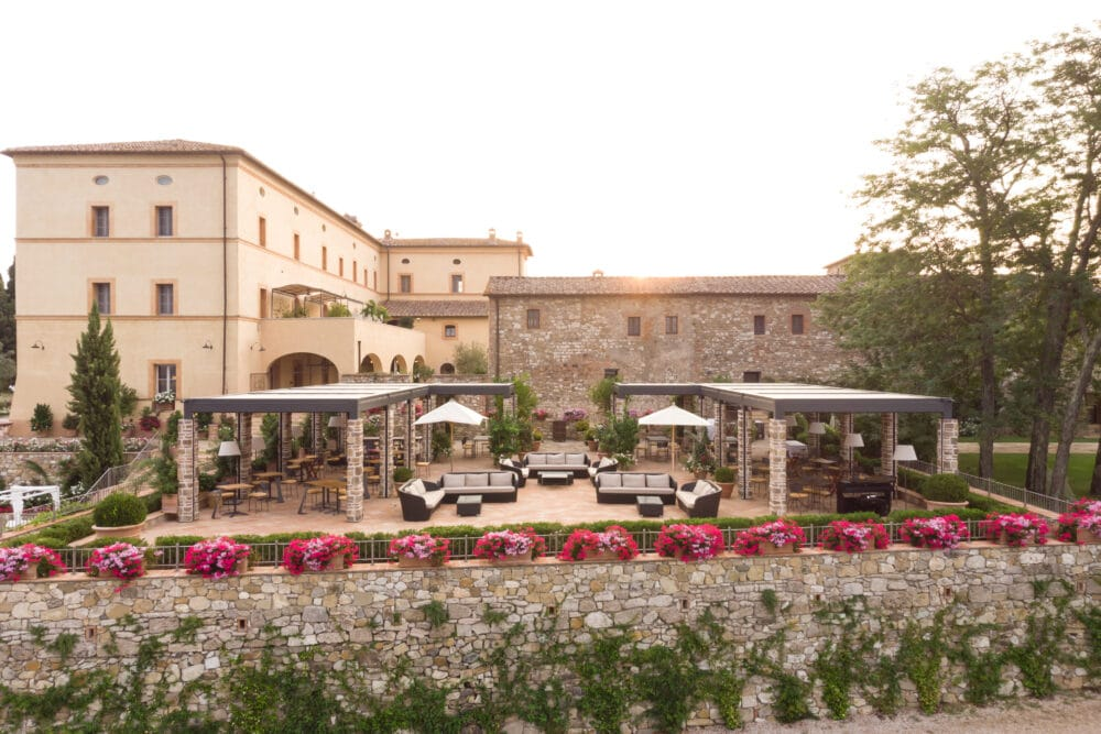 Terrace with view for exclusive weddings in Tuscany