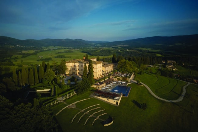 Panoramic view of this exclusive venue for weddings in Tuscany