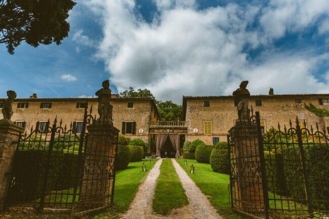 Wedding villa entrance ideal for portraits