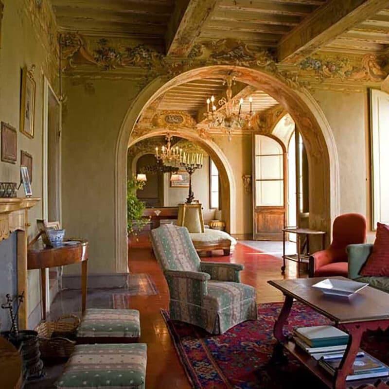 Elegant indoor details of the wedding villa in Siena