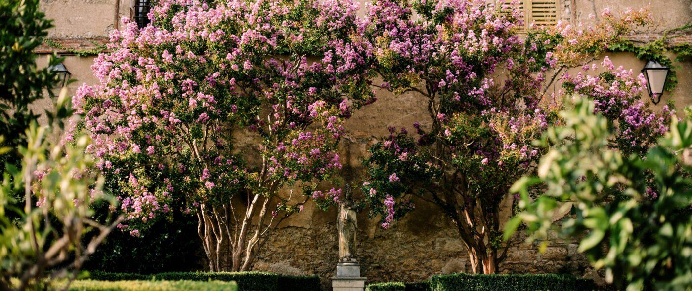 Romantic garden detail of a wedding villa in Siena