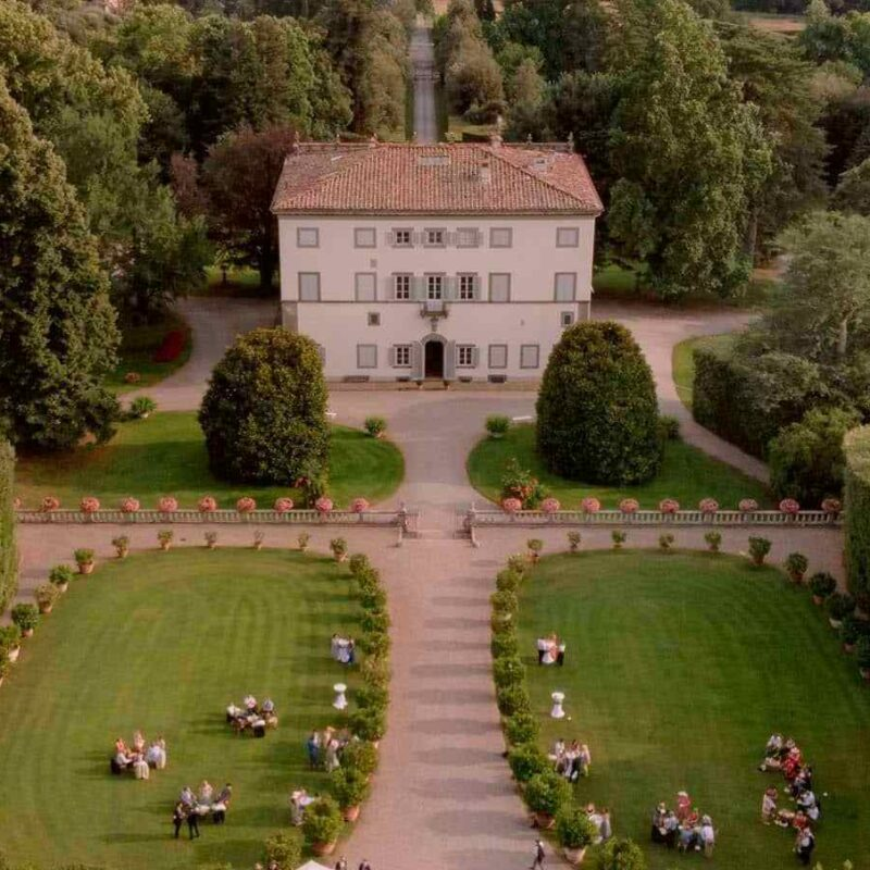 Wedding villa in Lucca with garden view