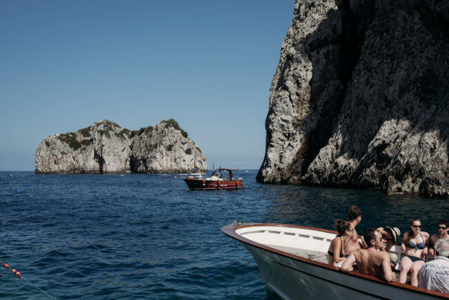 Boat tour for wedding guests in Capri