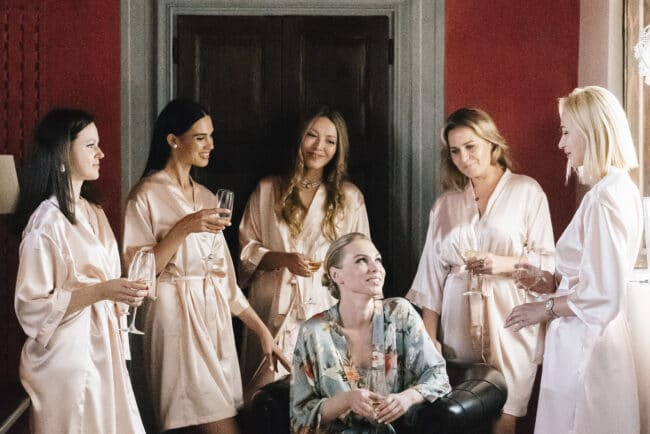Intimate moments for a wedding in Florence