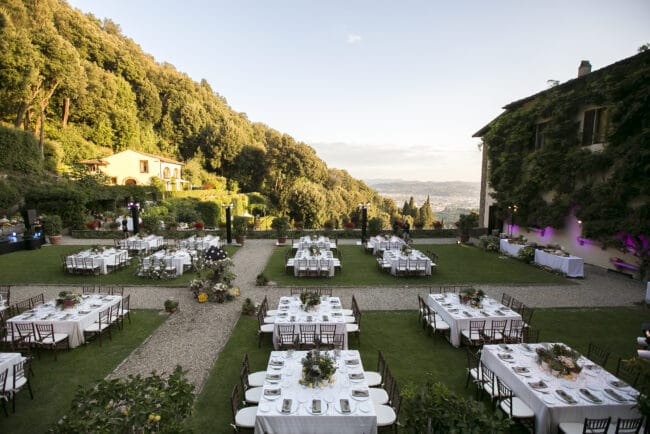 Luxury setting for a wedding brunch in Italy