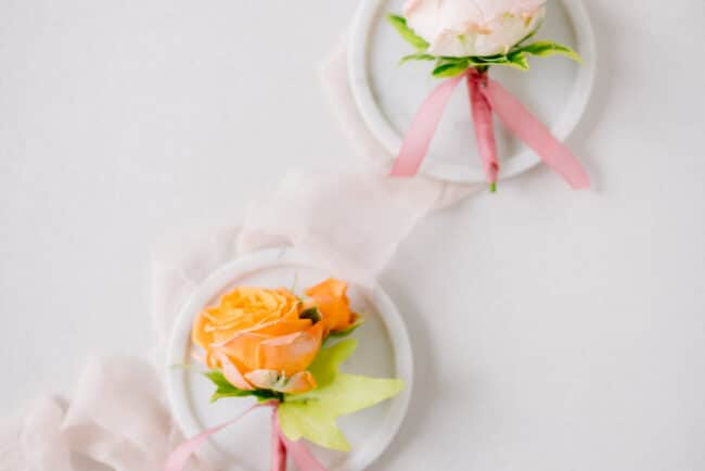 Romantic buttonholes for a wedding in Italy