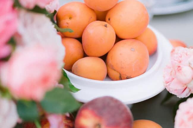 Fruit decors for wedding centerpiece