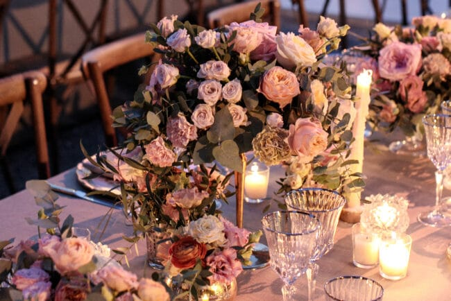 Details of flowers and tablesetting