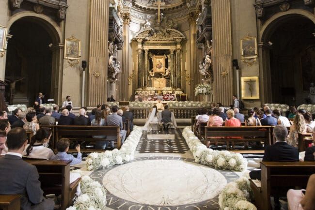 White garlands to decor the Church in Rome
