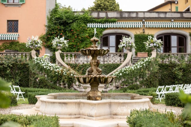 Garden ceremony setting tuscany