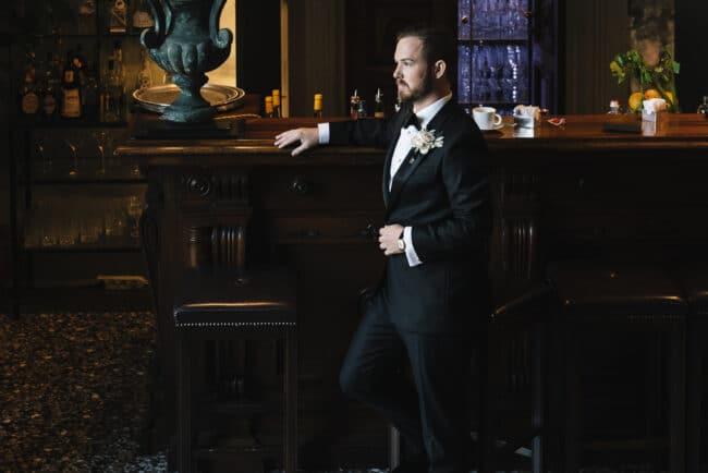 Elegant groom in a wedding venue in Florence