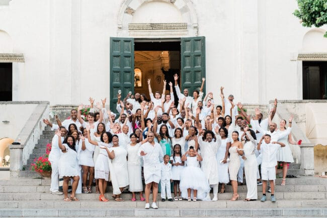 Family picture for a wedding in Ravello