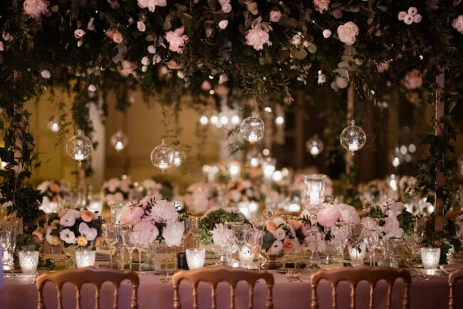 Hanging greenery and candles for a wedding decor in Rome