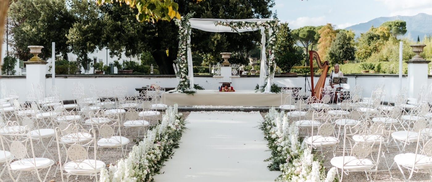 Indian wedding in Italy with white flowers decor