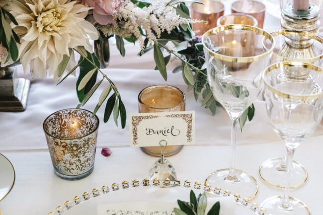 Table decors with ivory and pink colors