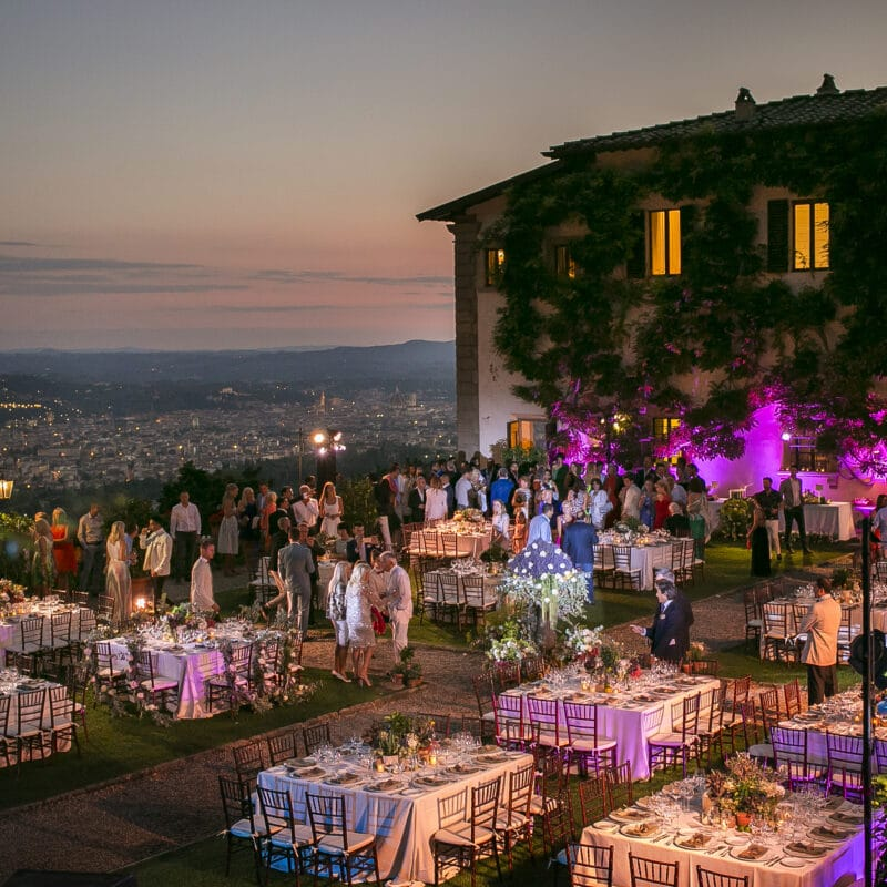 Luxury wedding venue in Italy with a garden with view
