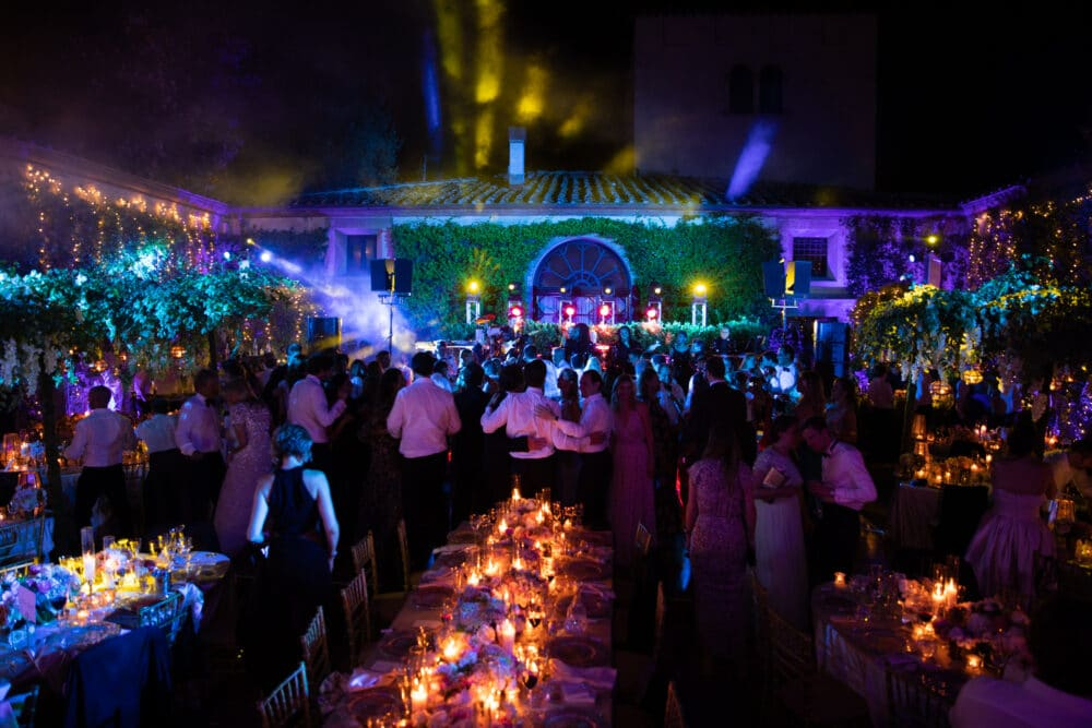 Exclusive wedding party in Italy with live show band