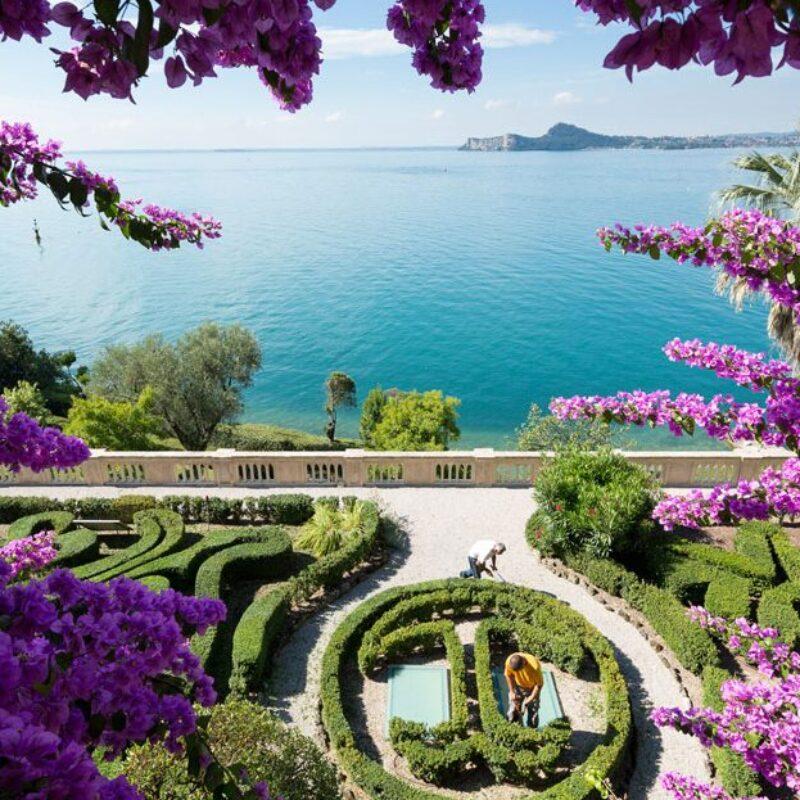 Romantic garden of a wonderful wedding villa in Isola del Garda
