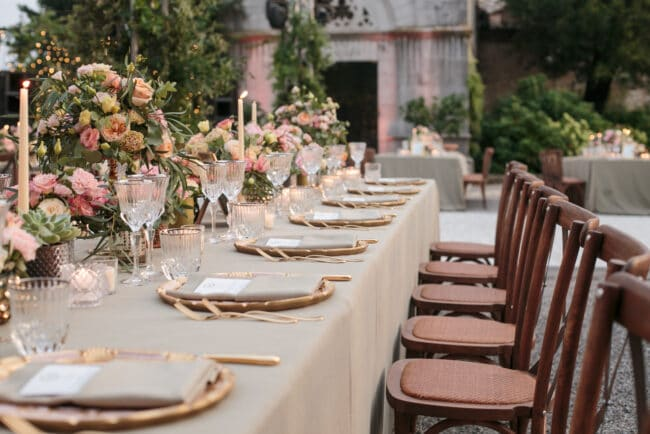 Romantic tablesetting for wedding day