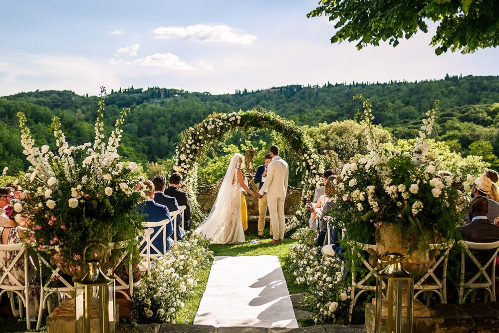 romantic villa for weddings tuscany