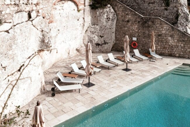 terrace with view over the swimmingpool in a wedding venue in tuscany
