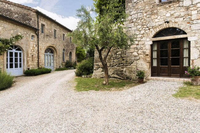 Courtyard wedding venue tuscany