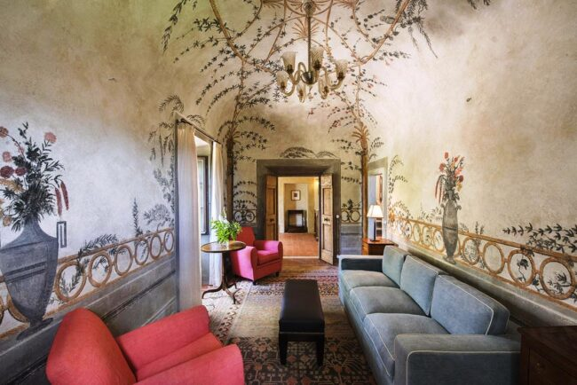 details of common area of a romantic wedding venue in tuscany