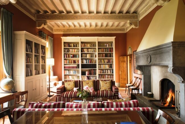 Library of romantic venue for wedding in tuscany