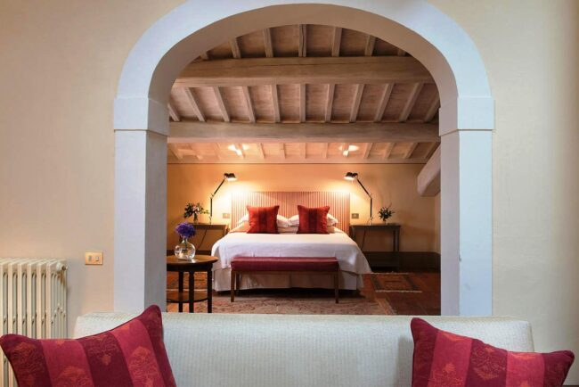 Suite with red details romantic venue tuscany