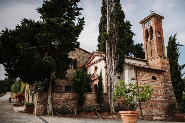 small chapel wedding tuscany