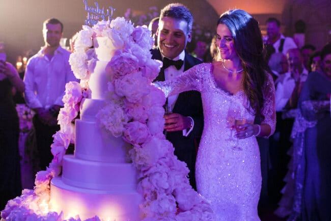 Wedding cake cutting in Rome