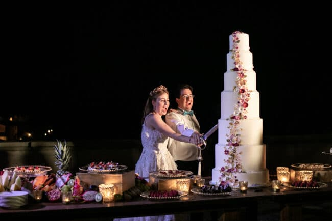 Cake cutting with a saber