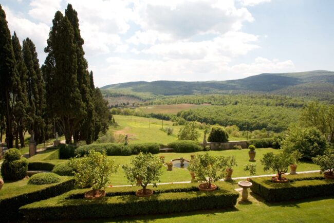 Villa garden with view for wedding ceremony in Siena