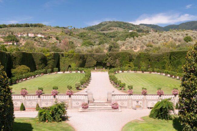 wedding villa lucca garden big reception