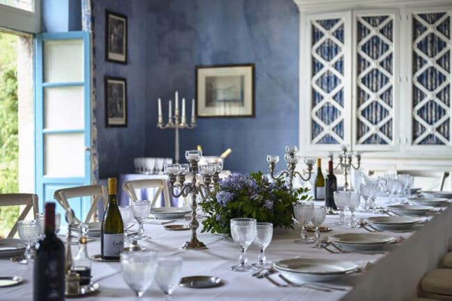 Elegant tablesetting details in a Sicily venue
