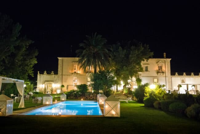 Swimmingpool for after wedding party in Sicily