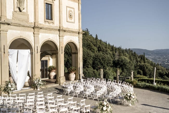 Outdoor ceremony tuscany