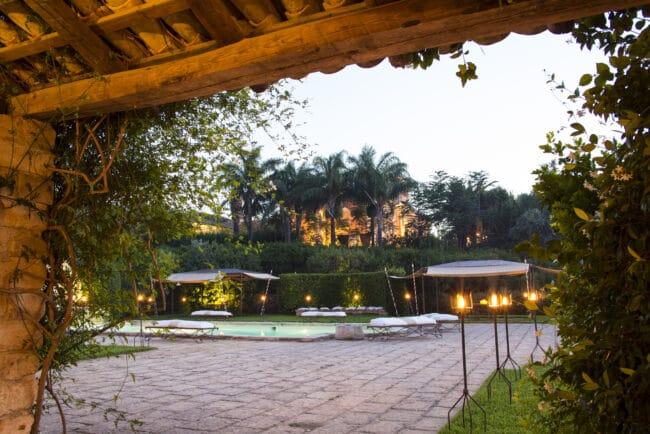 Outdoor view with swimmingpool