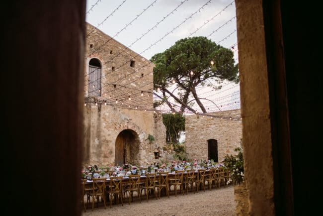 Tablesetting in a sicilian court with starry sky
