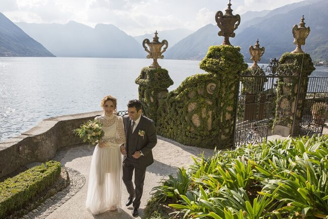 Bride and groom arrival at Villa del Balbianello