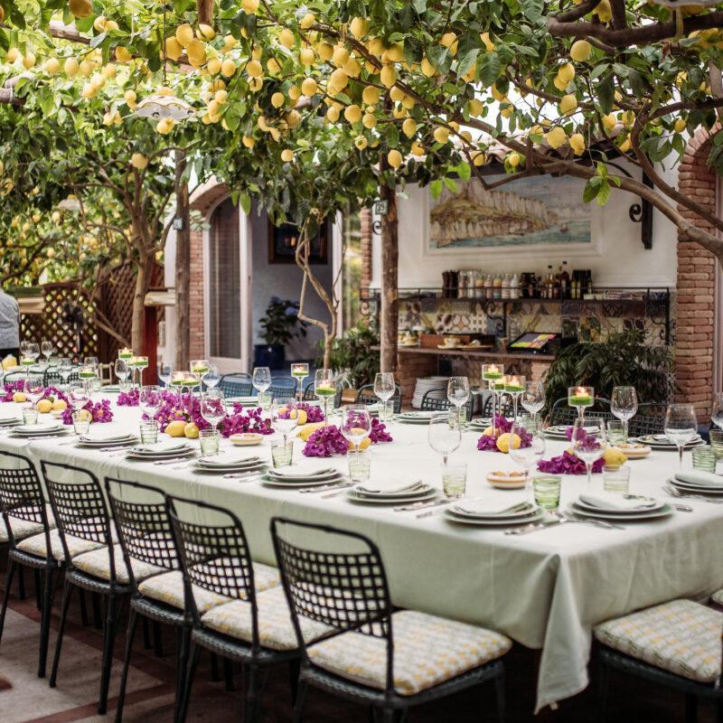 Luxury Amalfi Coast wedding venue: table with lemons decor