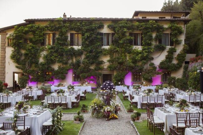 Romantic Hotel dinner Garden