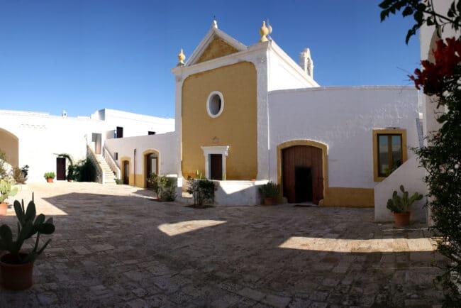 traditional farmhouse apulia