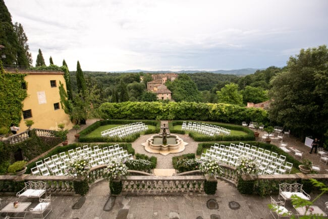 Exclusive garden for luxury ceremonies and receptions