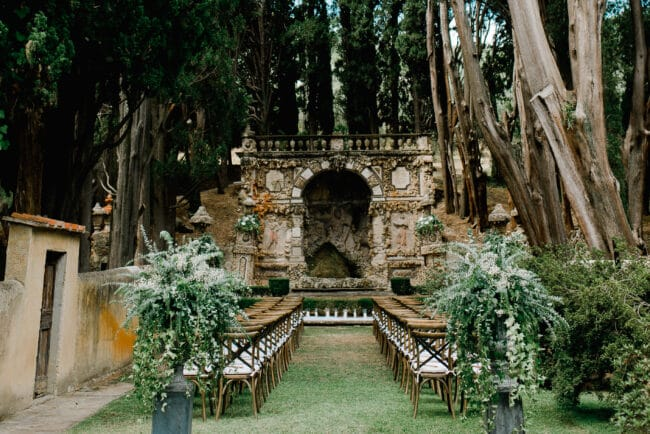 Outdoor ceremony in a luxury villa in Florence