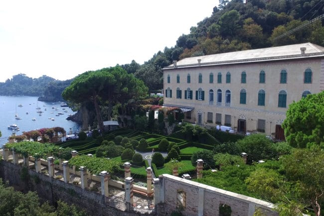 Elegant villa with italian style garden and sea-view