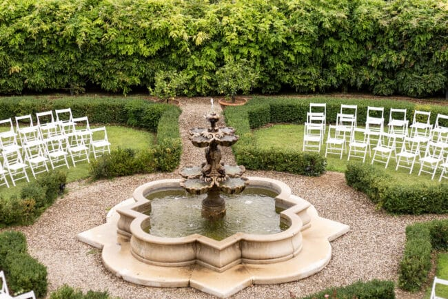 Italian garden with fountain ideal for romantic ceremony