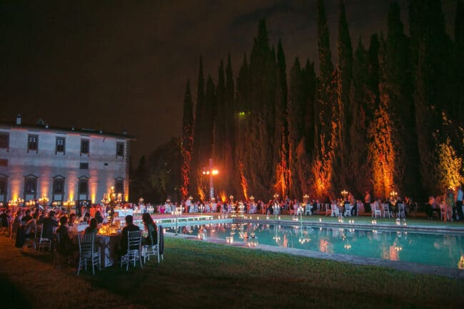 Swimming pool of a luxury wedding villa in Florence