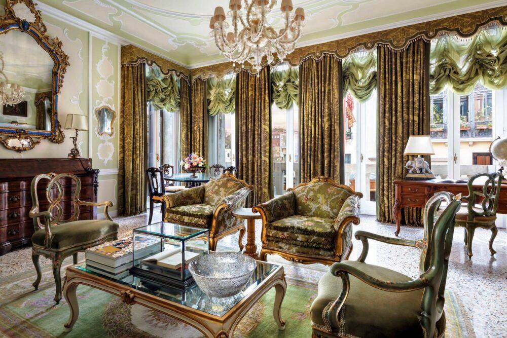 Exclusive livingroom in a five starts hotel in Venice